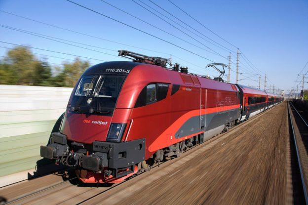 austria-solar-railway-624x415