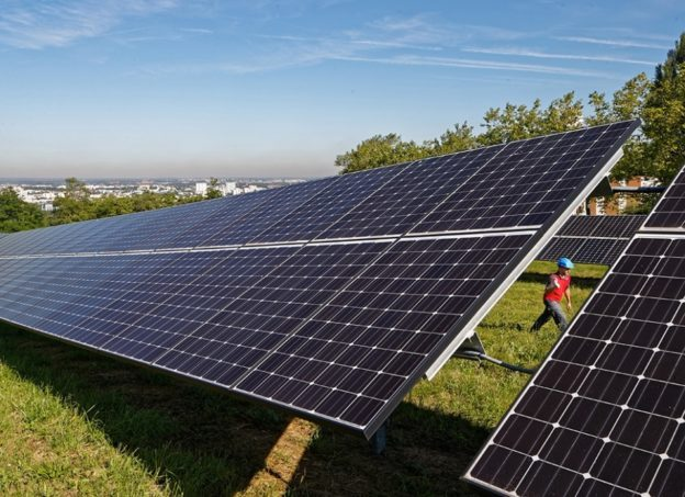 veolia-recyclage-panneaux_photovoltaiques-france_1-624x453