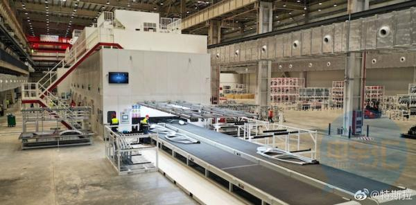 """特斯拉发""""自拍"""",上海超级工厂已启动试生产"""