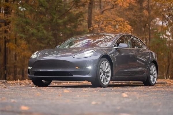 特斯拉Model 3高性能版赛道模式升级 前后驱动力调节亮眼