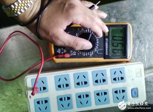 如何使用数字万用表区分火线和零线